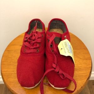 Brand new Toms red wool flannel shoes, US 6